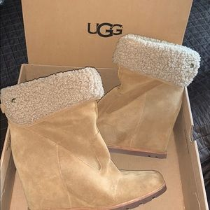 LIMITED EDITION UGG HEALS NEW CONDITION SIZE 11